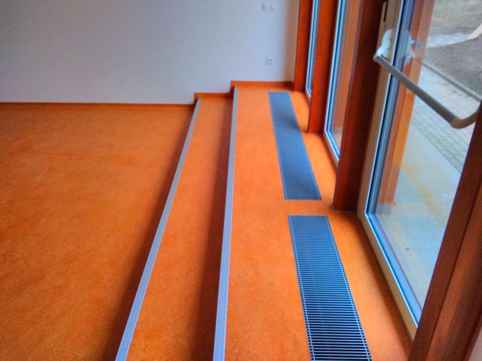 ms-uhrice-schody