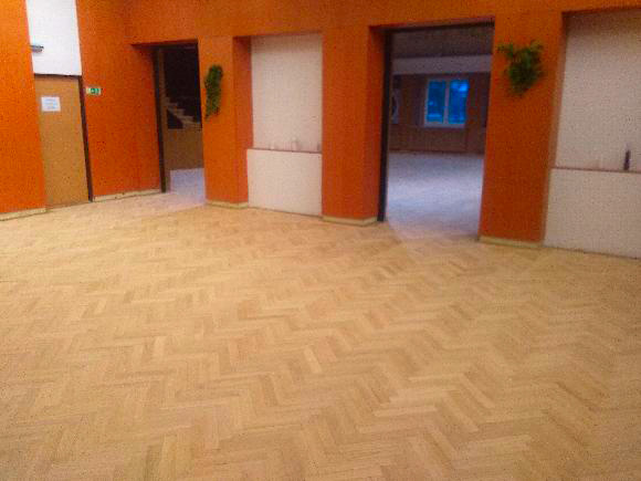 kulturní dům koryčany - broušení podlahy